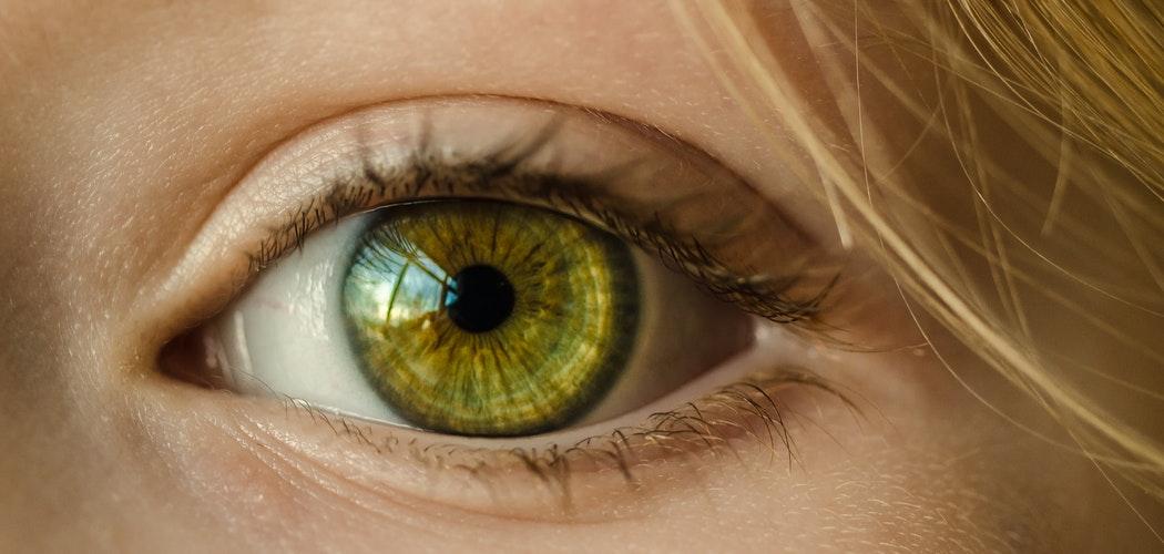 Efek Samping Lensa Kontak Pada Mata